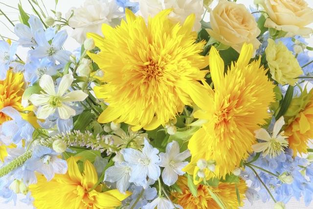 黄色い花中心の花束