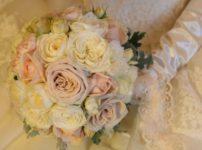 ブーケを持った花嫁